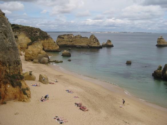 Dona Maria Beach